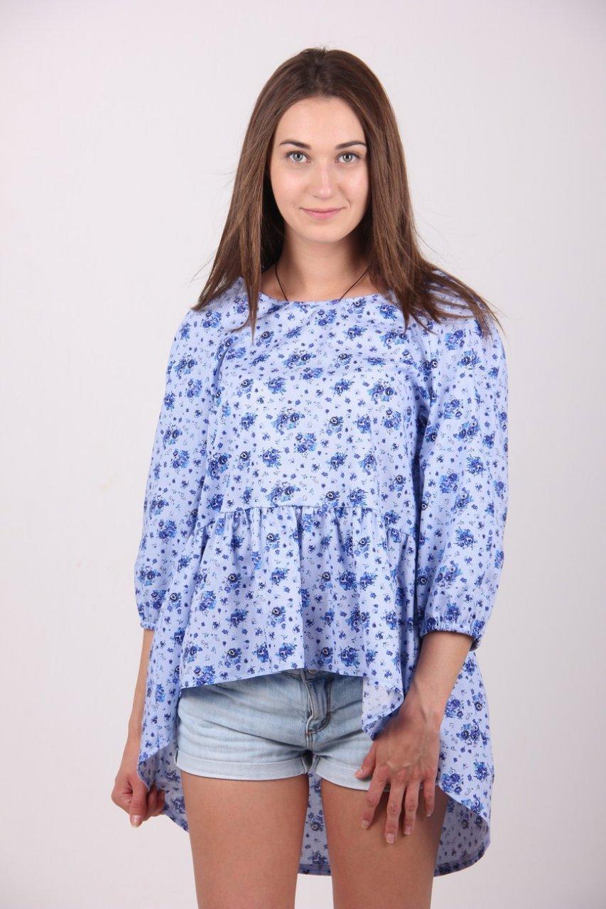 блузки весна лето 2019 года: свободного кроя асимметрия с воланами голубая в цветочки