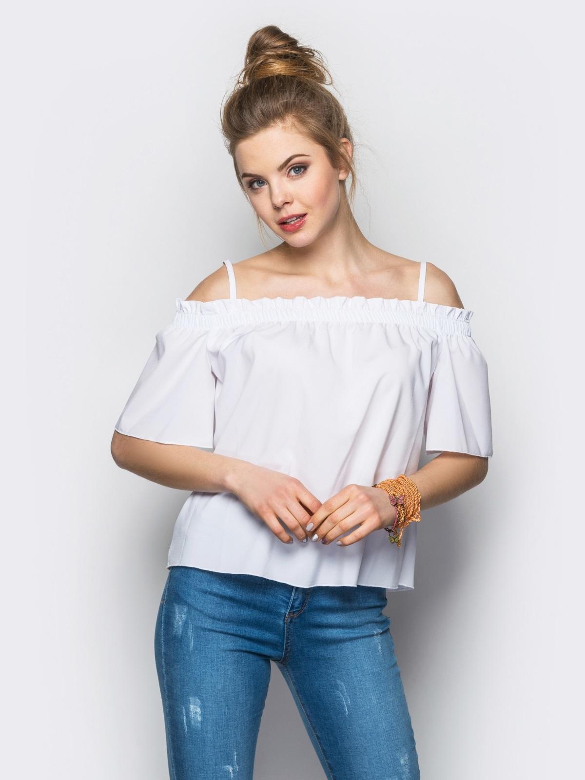 модные женские блузки весна лето 2019: с открытыми плечами белая рукав короткий