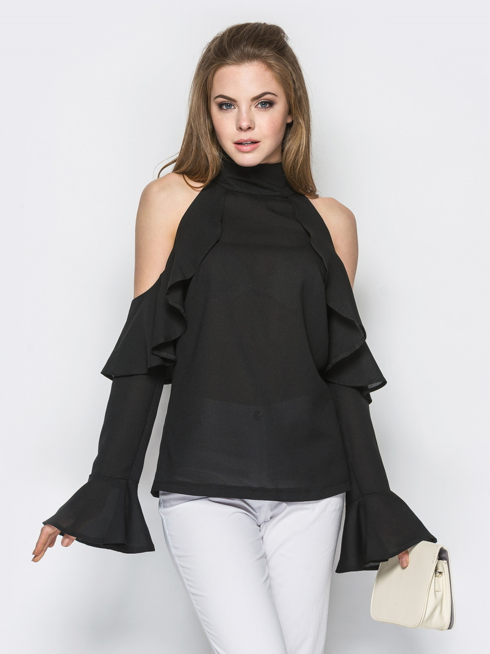 модные женские блузки весна лето 2019: с открытыми плечами черная рукава длинные с воланами