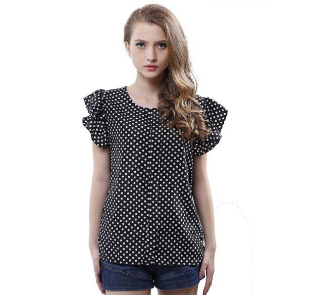 модные женские блузки весна лето 2019: черная в белый горох рукава воланами