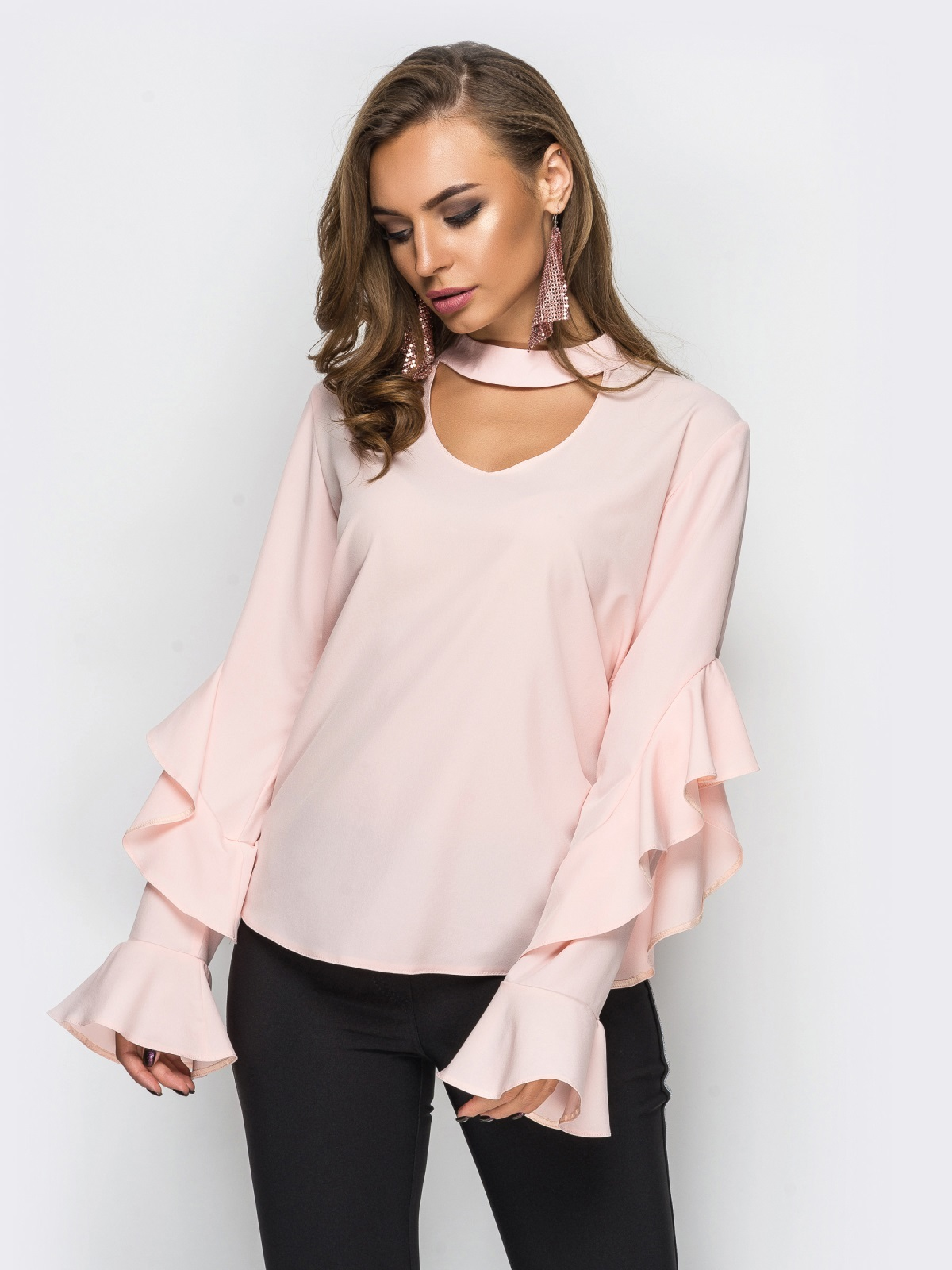 модные блузки весна лето 2019: с рюшами рукав длинный персиковая
