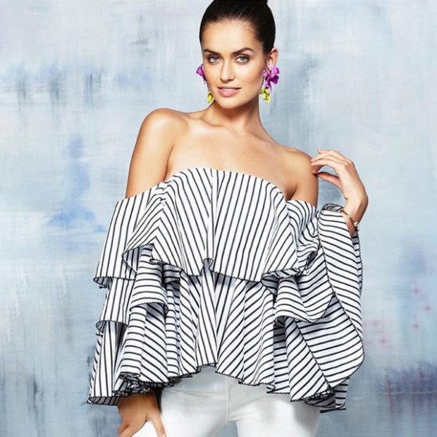 модные блузки весна лето 2019: с рюшами белая в черную полоску
