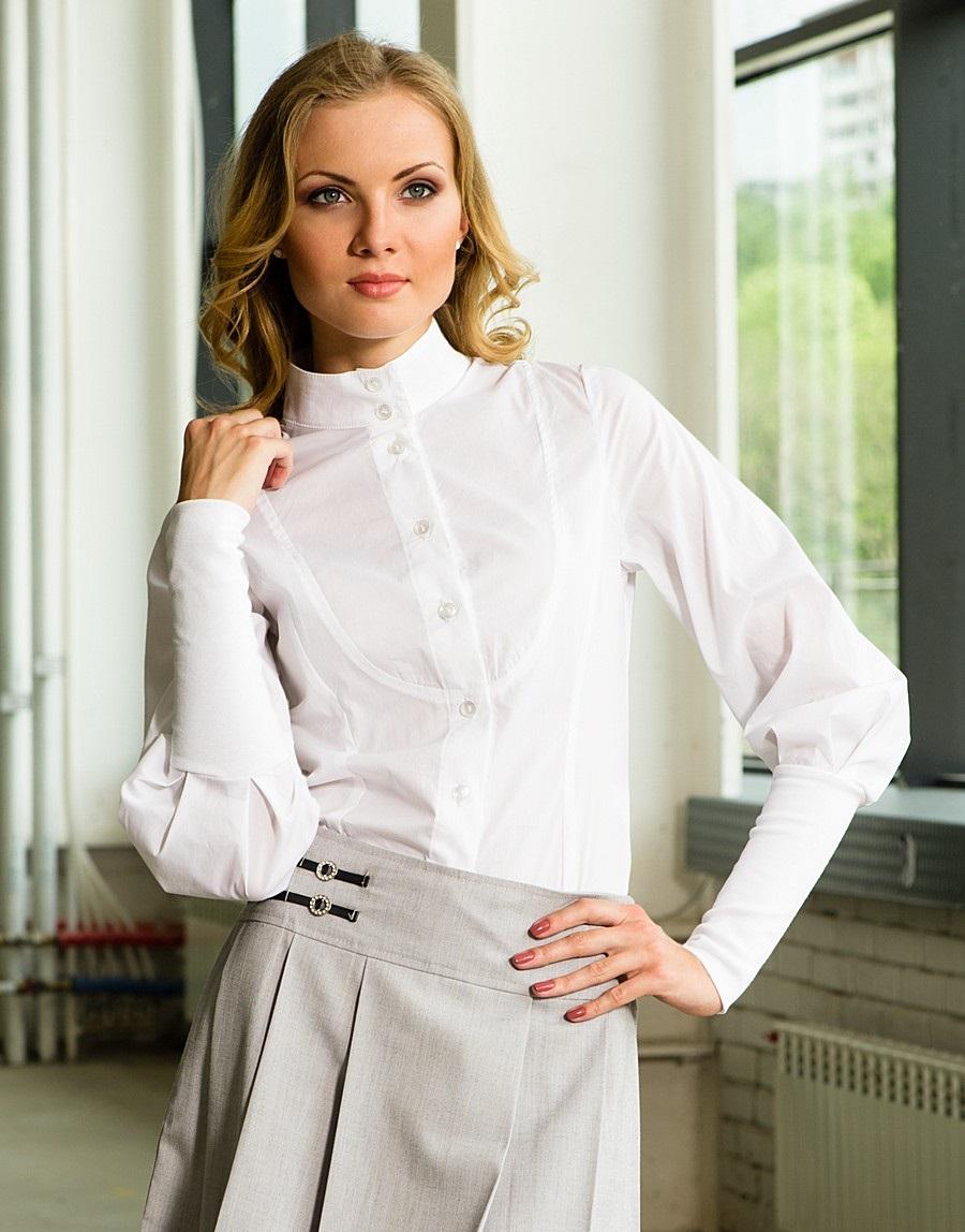 модные блузки весна лето 2019: с воротником стойка белая