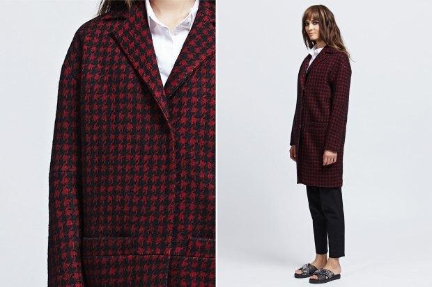 пальто весна 2019 цвета: красное с черным в клетку