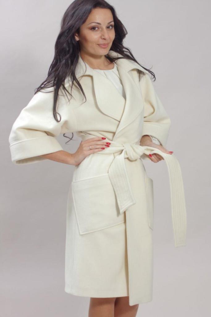 пальто весна 2019 цвета: белое рукав 3/4 под пояс