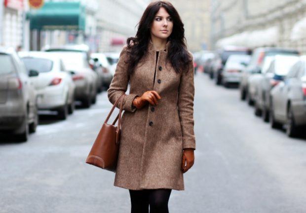 пальто весна 2019: коричневое классика