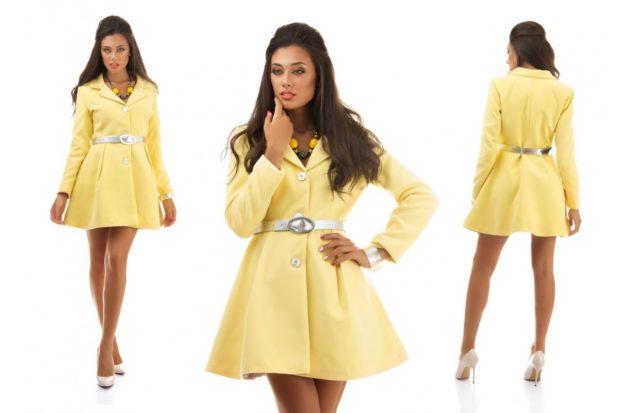 фасоны пальто весна 2019: колокольчик желтое под пояс