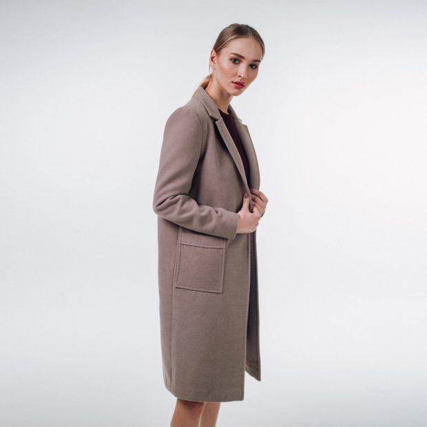 фасоны пальто весна 2019: прямое серо-коричневое