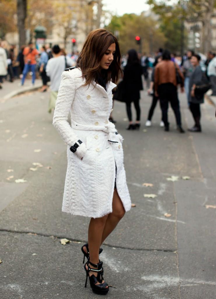 пальто куртки весна 2019: куртка белое с поясом