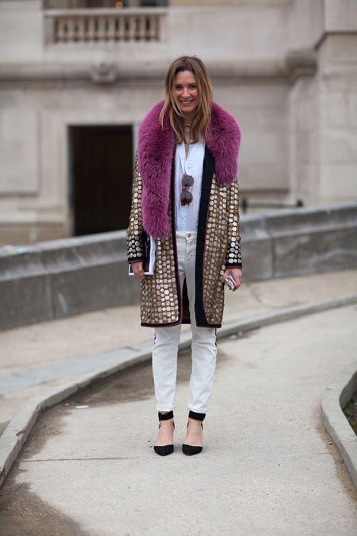 пальто куртки весна 2019: куртка блестящее с меховым воротом розовым