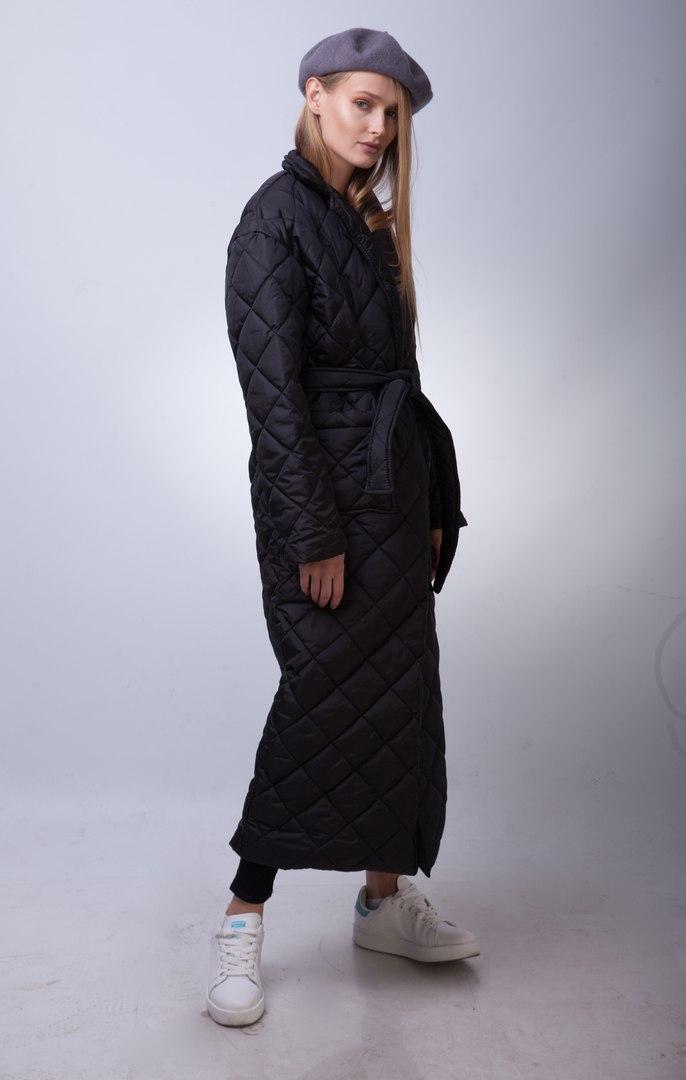 пальто на синтепоне весна 2019: черное стеганое макси