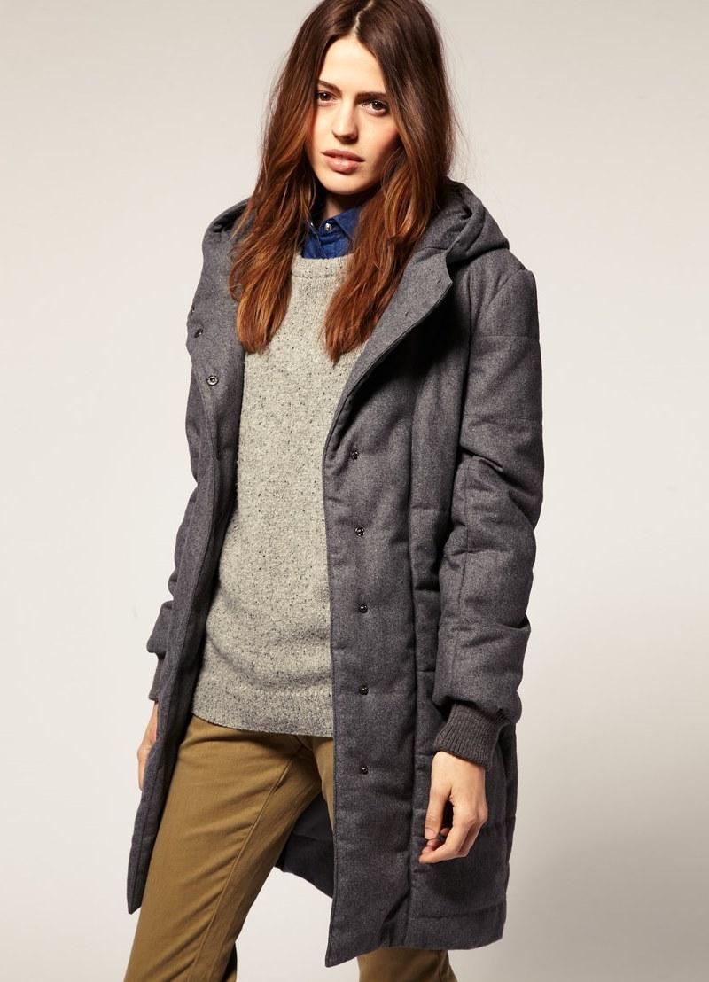 пальто на синтепоне весна 2019: серое тканевое