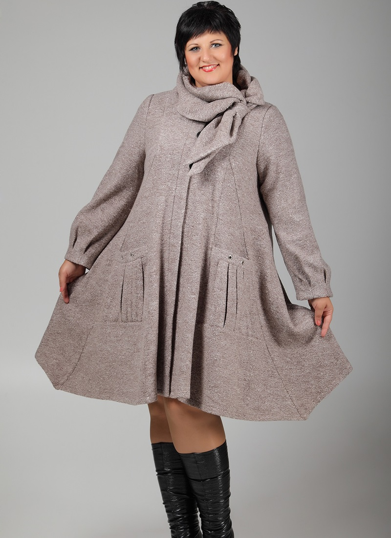 пальто для полных весна 2019: серо-коричневое свободного кроя