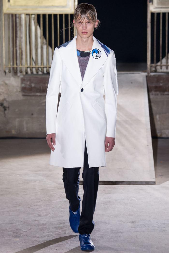 пальто мужское весна 2019: белое с рисунком