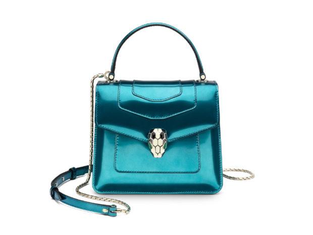 женские сумки 2018 года модные тенденции фото: голубая металлика