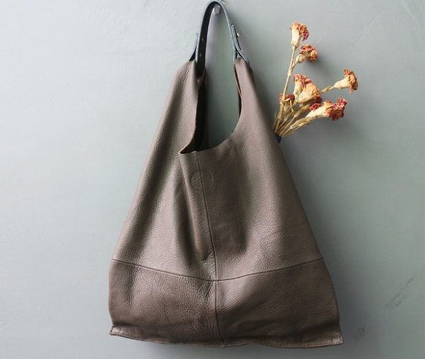 сумки лето 2019: мягкая серая мешок