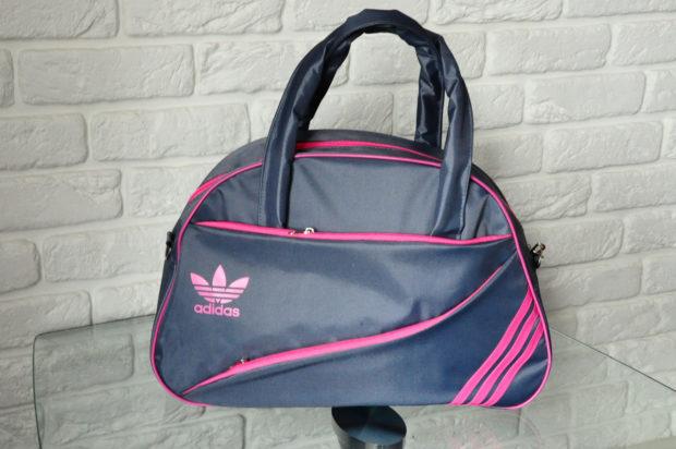 модные сумки весна лето 2019: спортивная серая с розовым Adidas