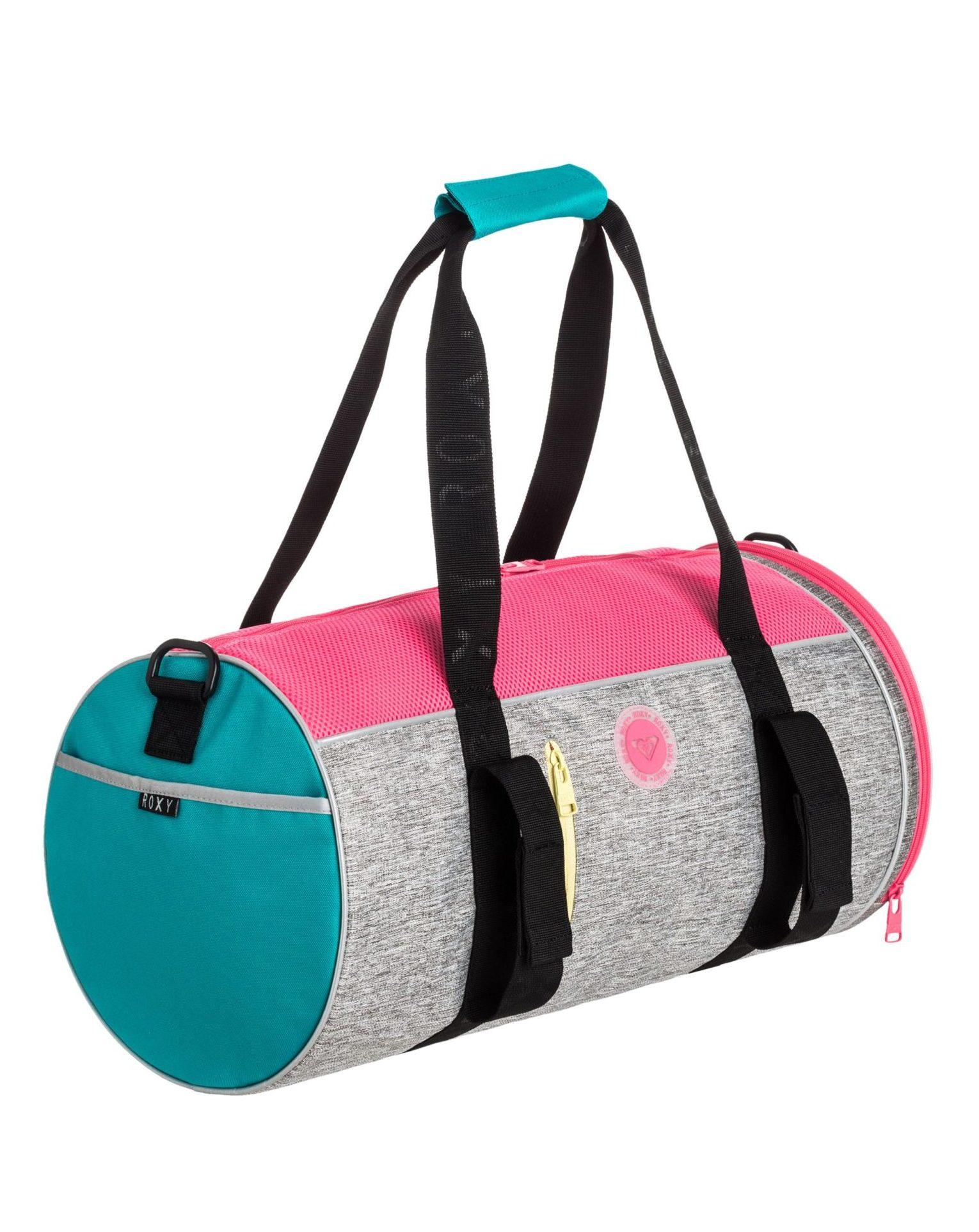 модные сумки весна лето 2019: спортивная голубая с розовым и серым цилиндр