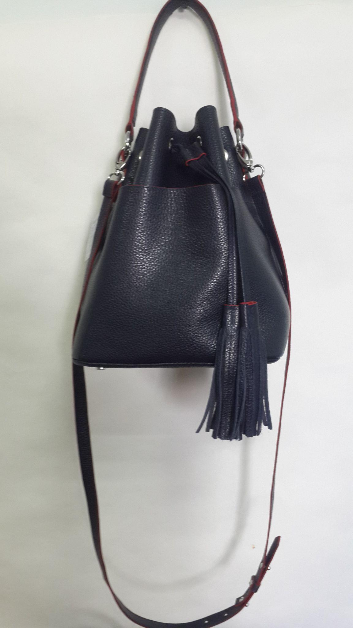модные сумки весна лето 2019: мешок черная кожаная