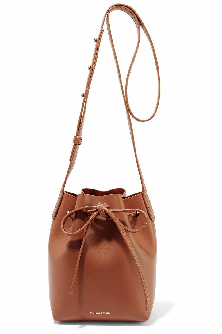 модные сумки весна лето 2019: мешок коричневая