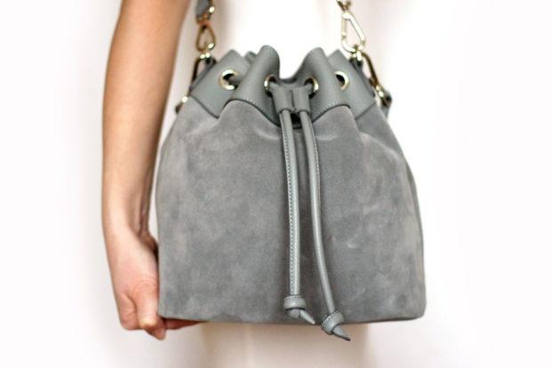 модные сумки весна лето 2019: мешок серая замша
