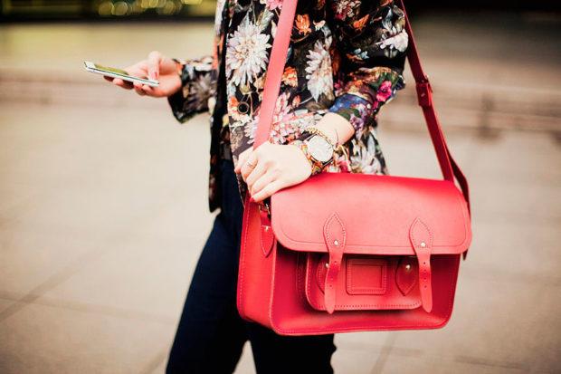 модные сумки весна лето 2019: сэтчел красная
