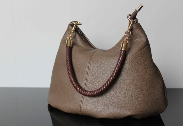 модные сумки весна лето 2019: хобо серая кожаная