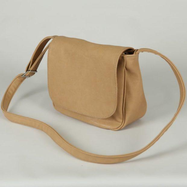 модные сумки весна лето 2019: через плечо бежевая