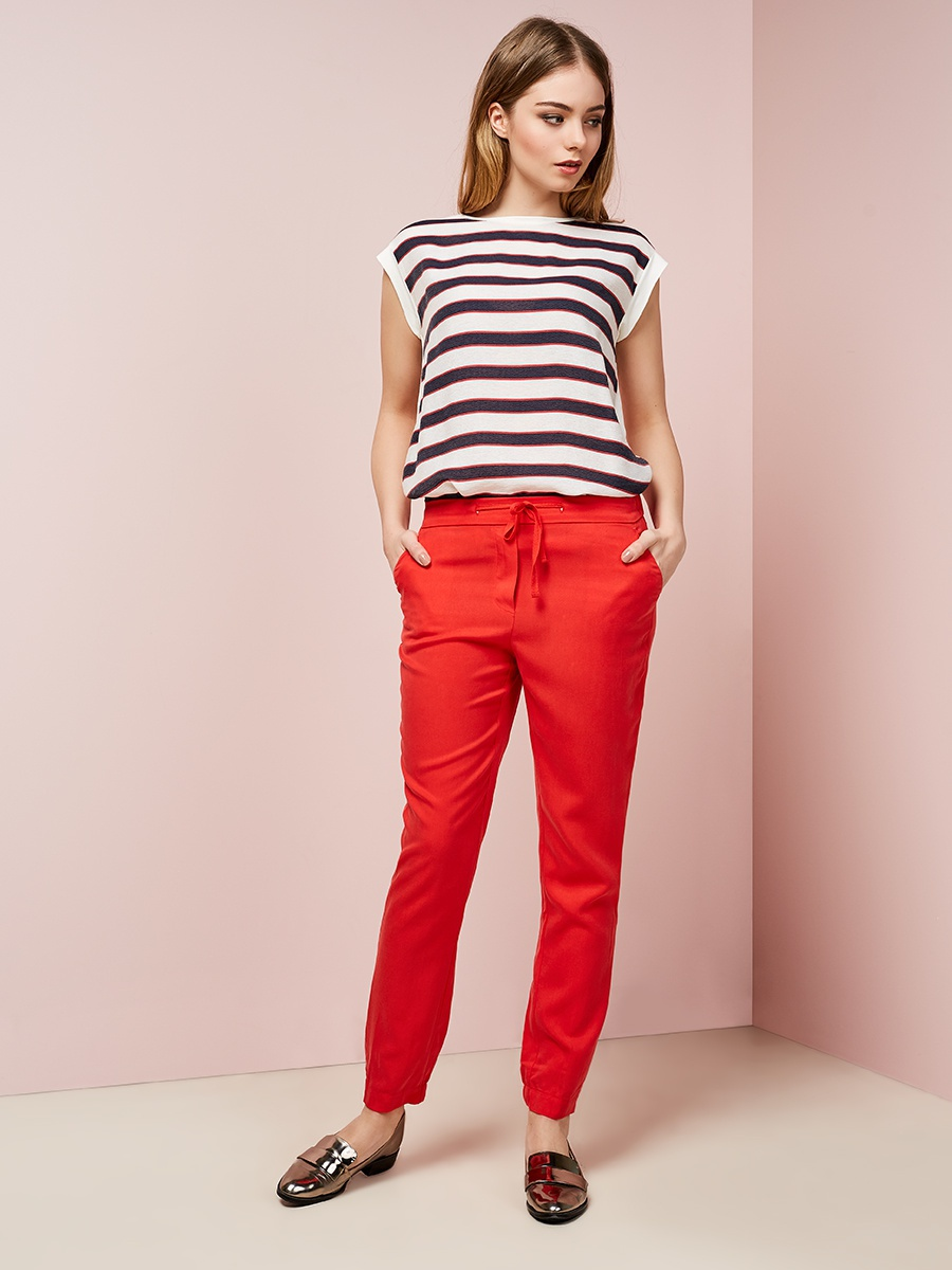 модные женские брюки весны лета 2019: прямые красные укороченные