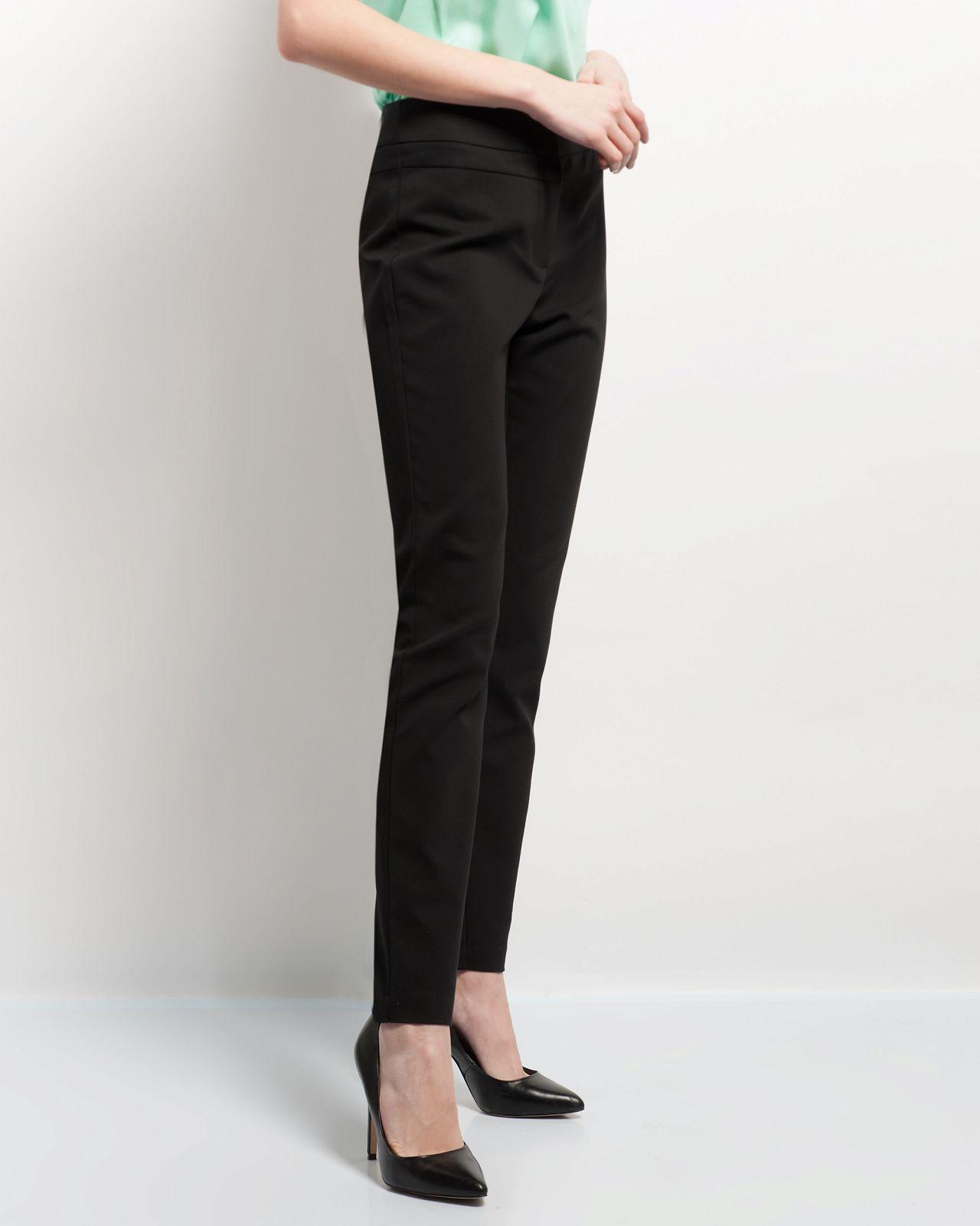 модные женские брюки весны лета 2019: прямые черные