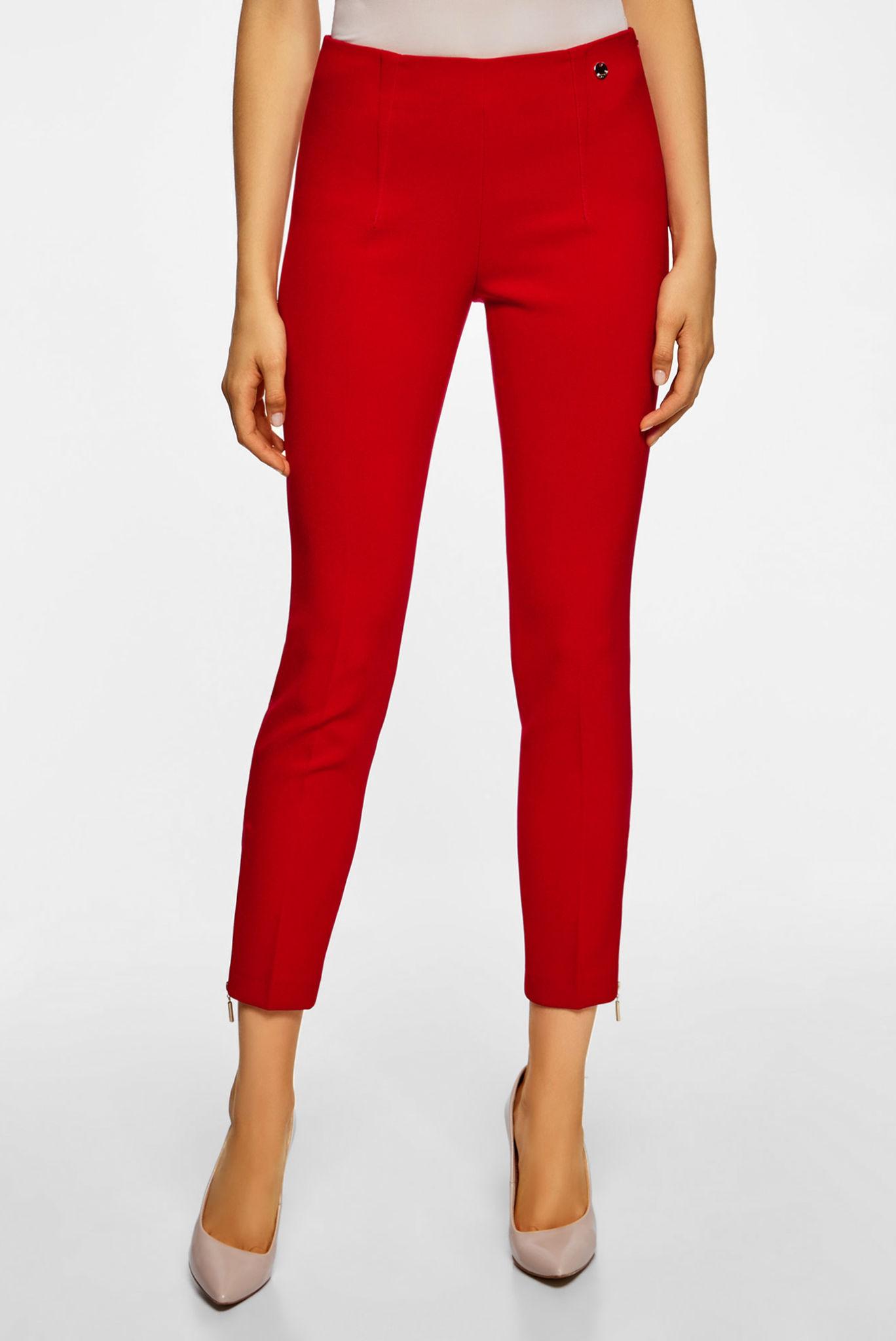 модные женские брюки весны лета 2019: зауженные укороченные красные