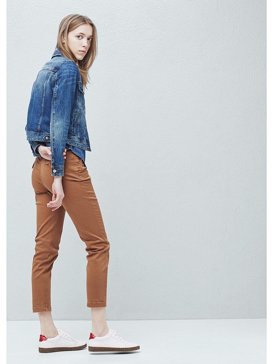 модные женские брюки весны лета 2019: чинос коричневые