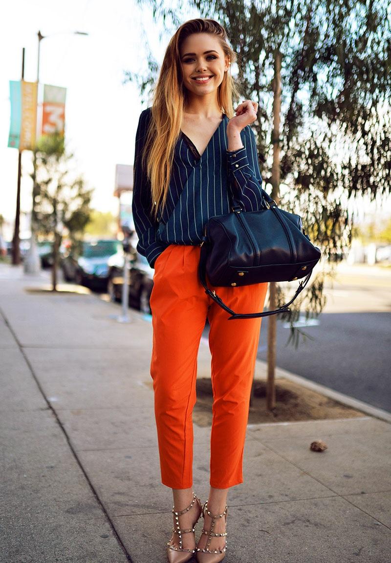 модные женские брюки весны лета 2019: чинос оранжевые