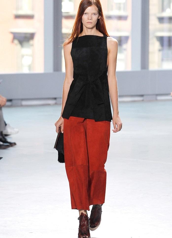брюки весна лето 2019 года модные: бермуды красные