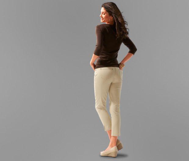 брюки весна лето 2019 года модные: капри светлые