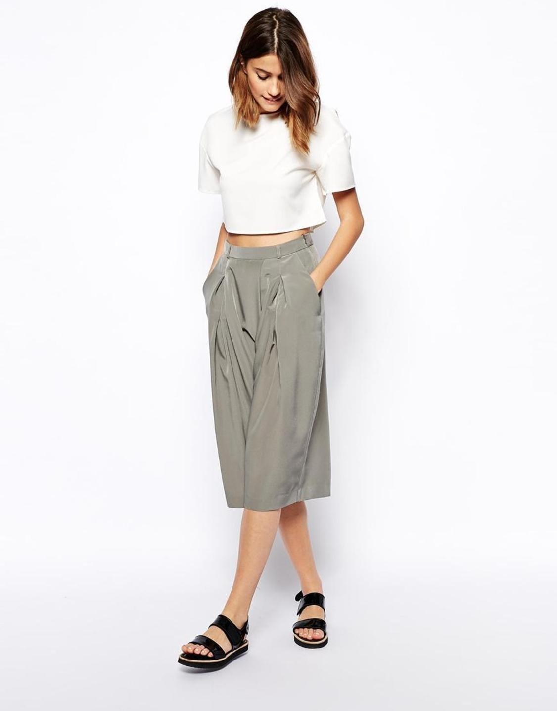 брюки весна лето 2019 года модные: кюлоты серые