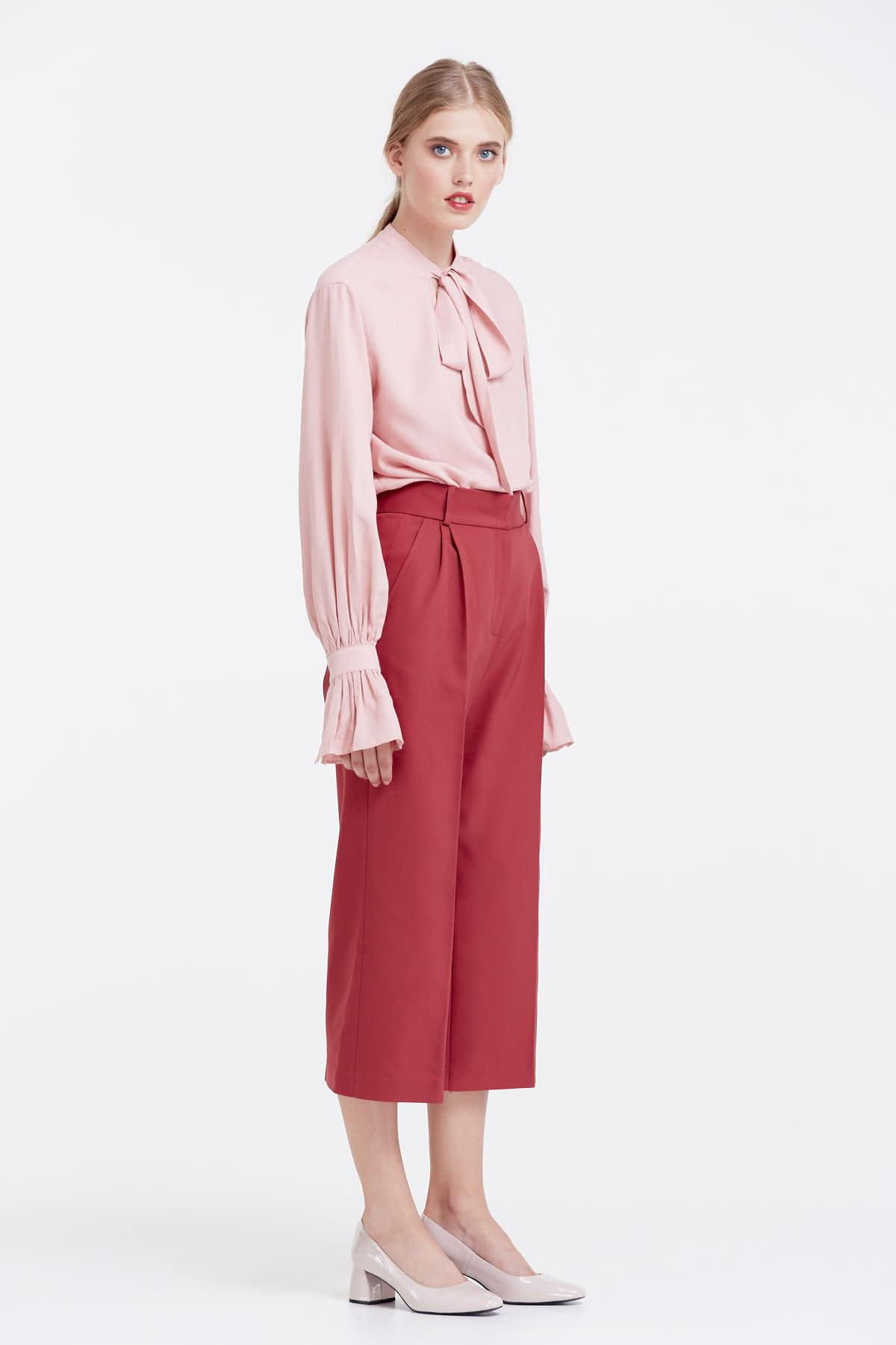 брюки весна лето 2019 года модные: кюлоты красные