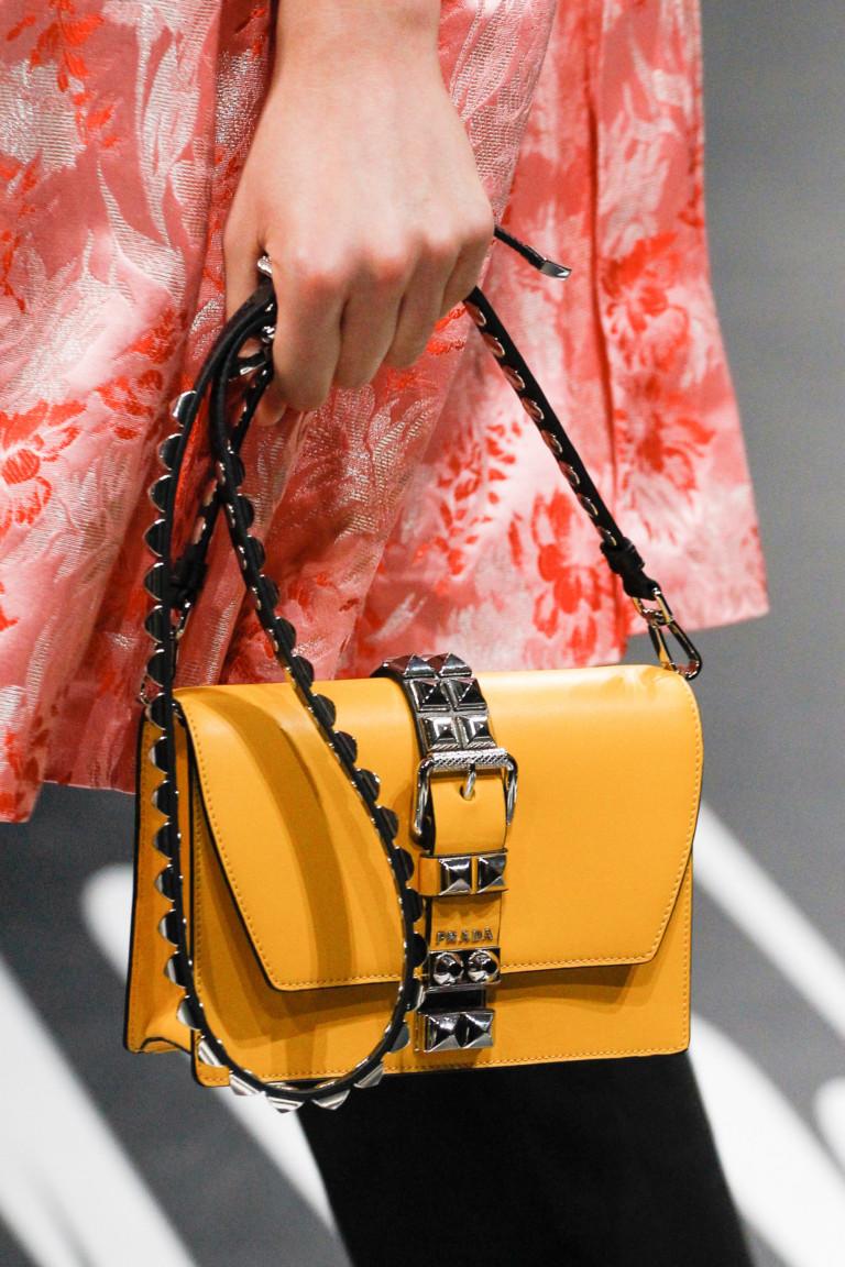 сумка маленькая желтая