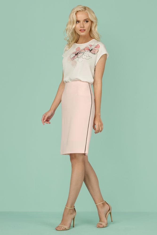 модные тенденции весна лето 2019: бежевая юбка-карандаш