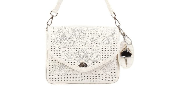 маленькая белая сумочка в узор