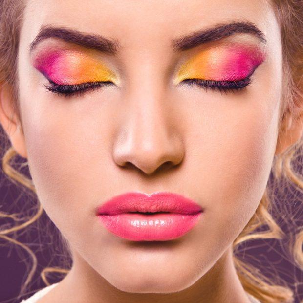 макияж яркий розовые тени с желтым губы розовые