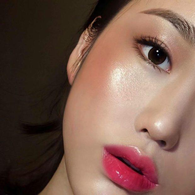 хайлайтер под глаза персиковый губы розовые