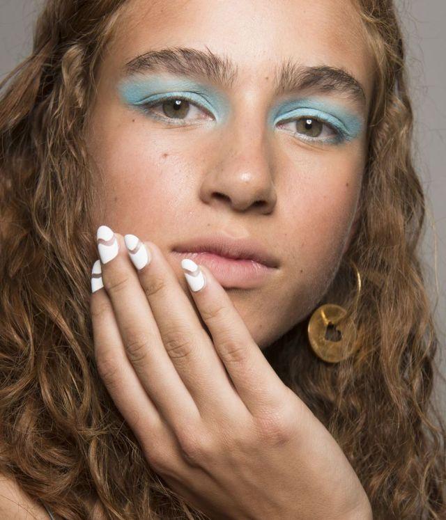 хайлайтер под глаза натуральный голубые тени