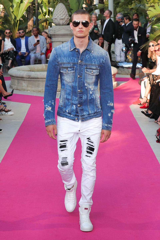 мужская мода весна 2019: джинсовая курточка под белые джинсы