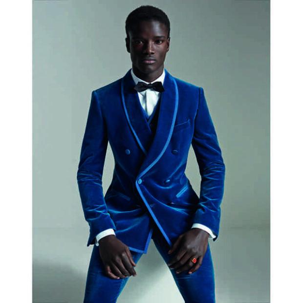 мужская мода 2019 весна лето: синий бархатный костюм