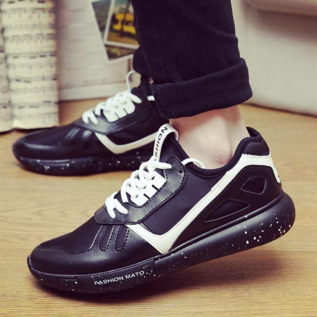 мужская мода весна 2019 основные тенденции: черные кроссовки с белыми шнурками