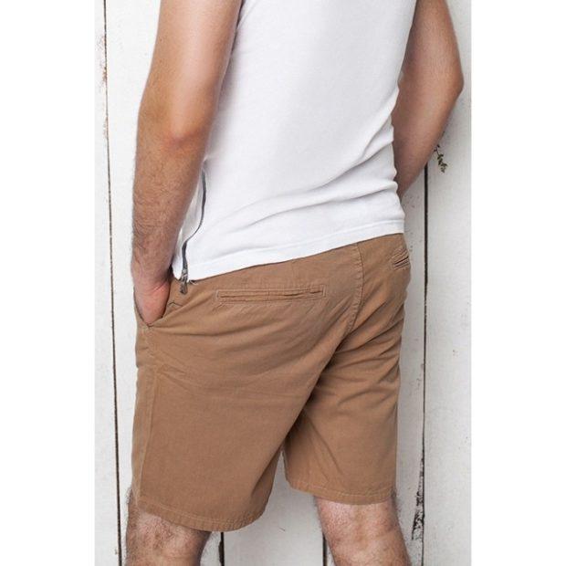 коричневые шорты
