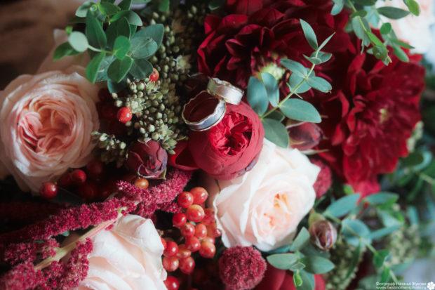 свадьба в цвете марсала: цветы