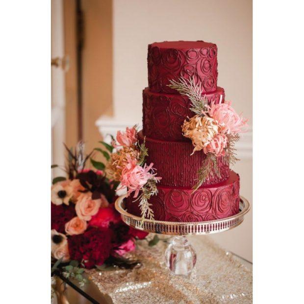 торт на свадьбу цвет марсала: 4 яруса