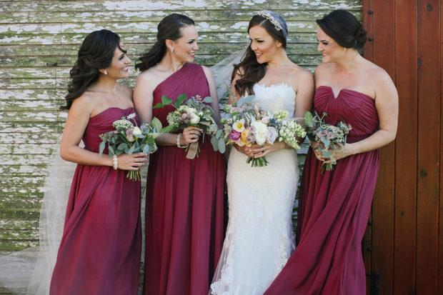 свадьба в цвете марсала: платья для подружек невесты